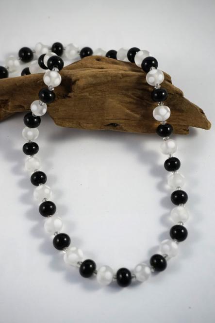 Perlenkette Schwarz/Weiß