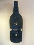 Uhr aus Weinflasche